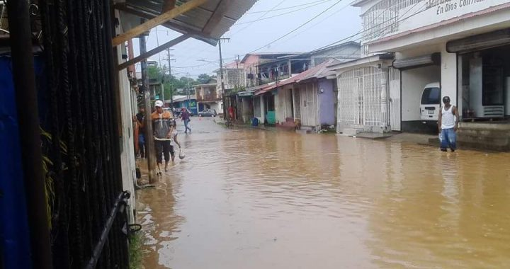 Ríos crecidos y barrios inundados en municipios del Caribe