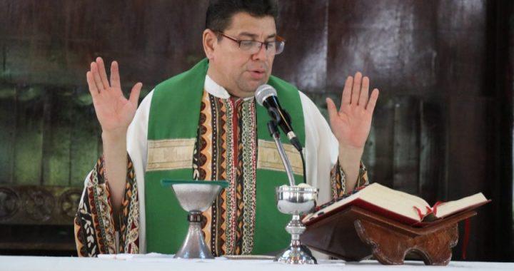 Santa Eucaristía, oficiada por el padre Carlos Zuniga en la catedral Nuestro Señor de esquipulas, Diócesis de Siuna, Domingo 30 de junio 2019