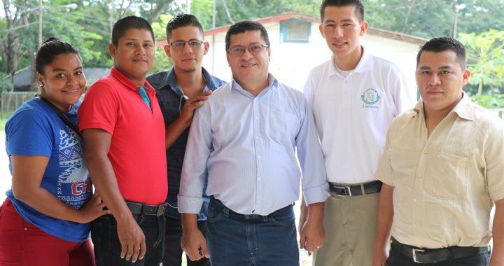 Colegio de Periodistas comparte con futuros periodistas en Siuna