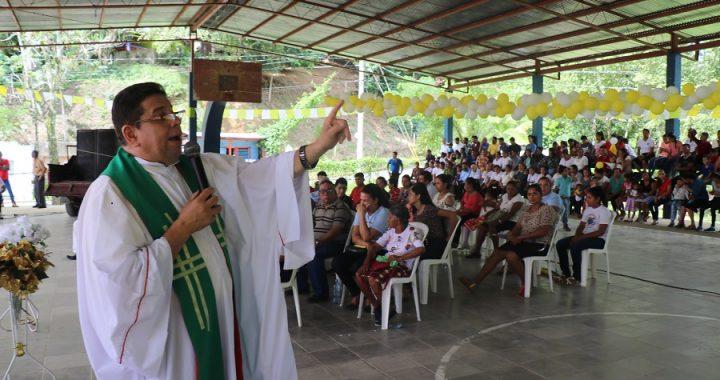 Evangelico celebran 450 años de traducción de la Biblia y los Católicos 1614 años