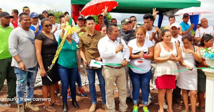 Alcalde entrega 82 lotes de terreno en Bonanza