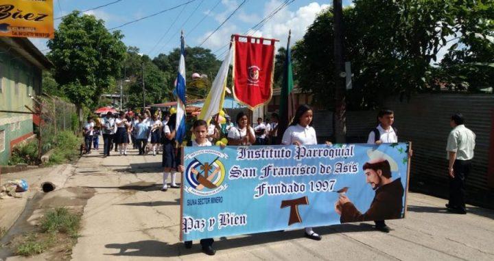 Estudiantes del Parroquial celebran a su santo patrono en Siuna