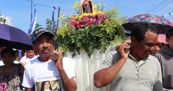 Celebran fiestas patronales en honor a Santa Teresita, en Bonanza