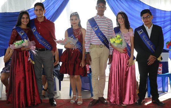 Coronan a reinas del Instituto Parroquial San Francisco de Asís en Siuna