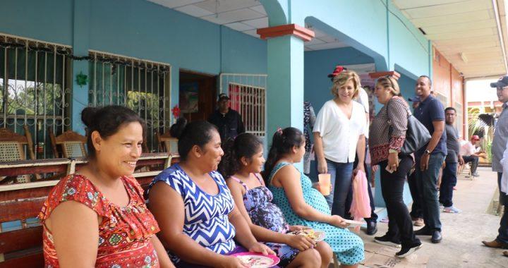 Diputada del parlamento Europeo recorre el Caribe de Nicaragua