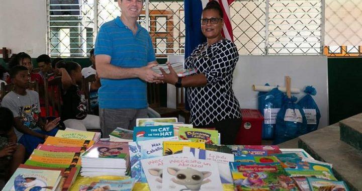 Embajador de Estados Unidos visita el Caribe Sur