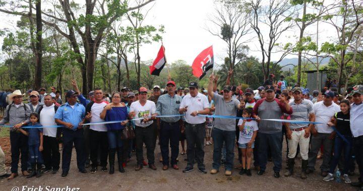Gobierno entrega camino de todo tiempo en Los Pinares, Siuna