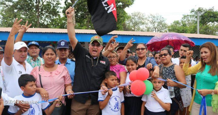 Entregan moderno centro escolar en Rosita recordando a Luis Alfonso Velázquez Flores