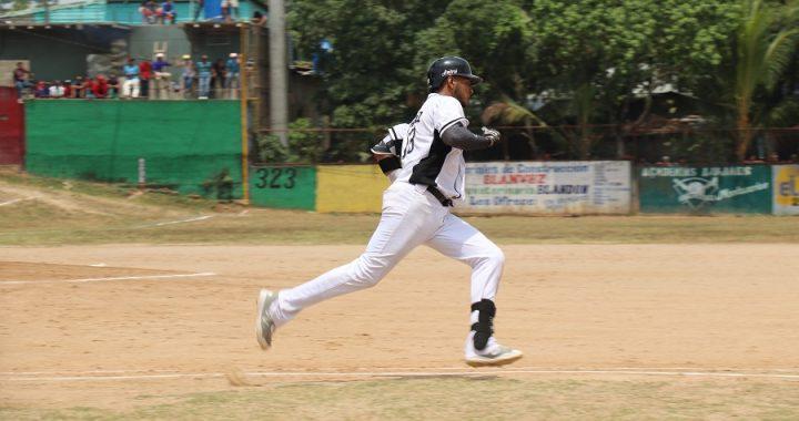 Jimmy González el número 12 de 1500 hits en primera división